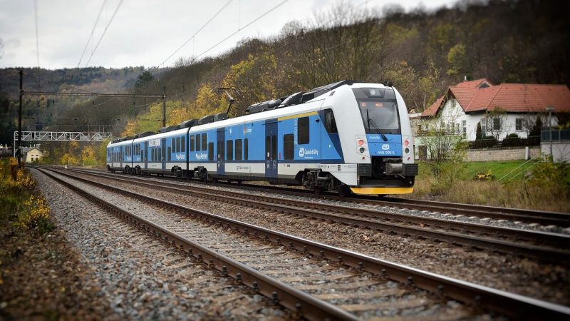 European road subsidies III.  Chapter ends.  Mainly, EU funds will support rail transport and electric mobility - EURACTIV.cz