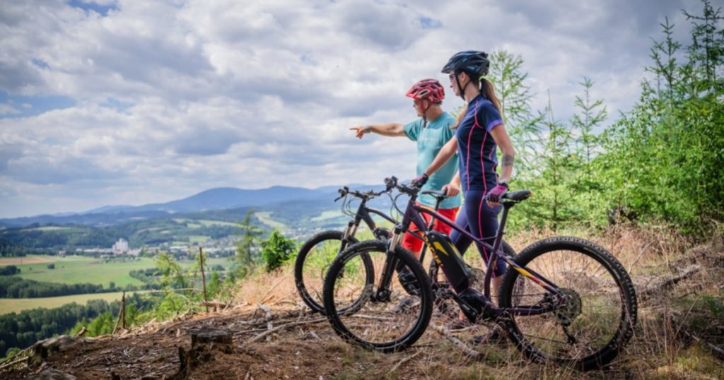 E-bike is a cycling game for every generation.  We know how to choose the best