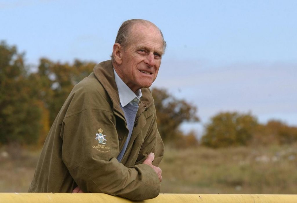 Sailor, troublemaker, patient and creative husband.  Prince Philip changed the face of the monarchy behind the scenes - T24 - Czech television
