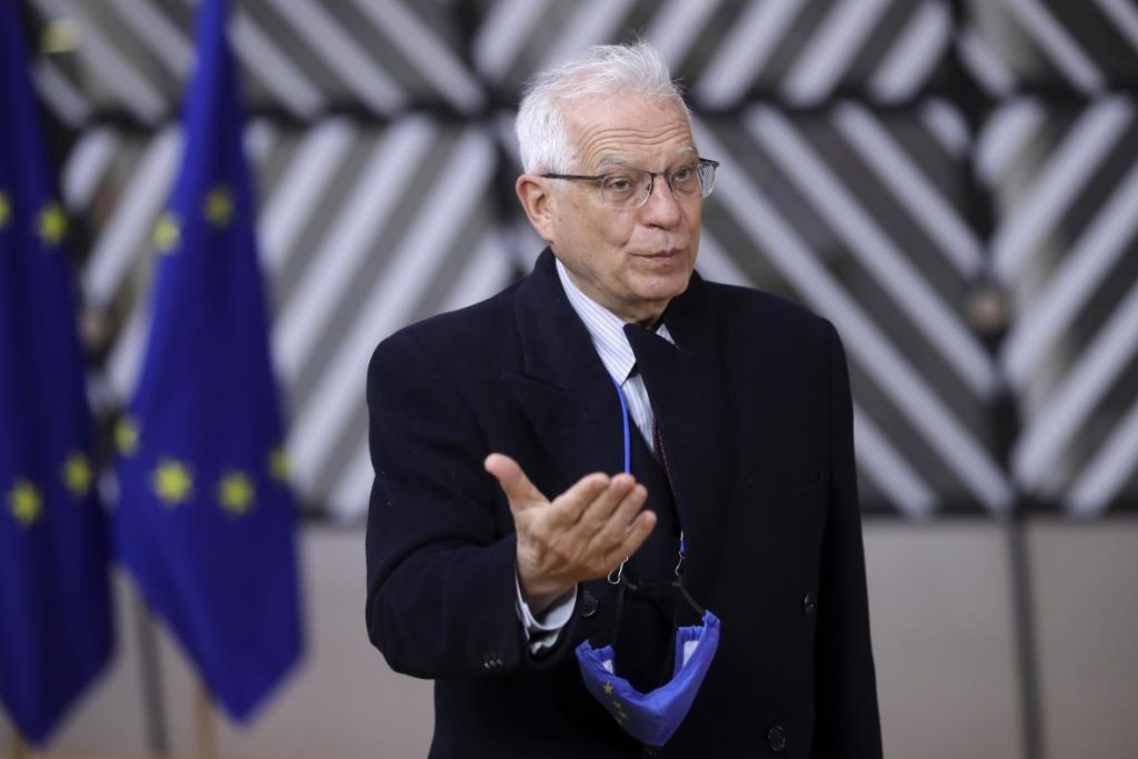 Borrell said that the restrictions imposed by Russia on flights are causing serious problems.  Moscow talks about technical problems - T24 - Czech television