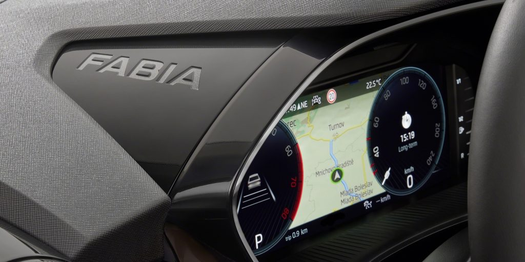 In the new koda Fabia there is a wonderful church, the Czech flag on the door and five smart gadgets - VTM.cz