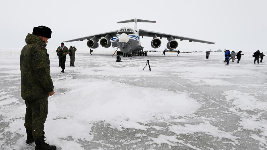 Russia is building bases in the Arctic.  The head of the US diplomacy will discuss the Kremlin's ambitions in Iceland - T24 - Czech television