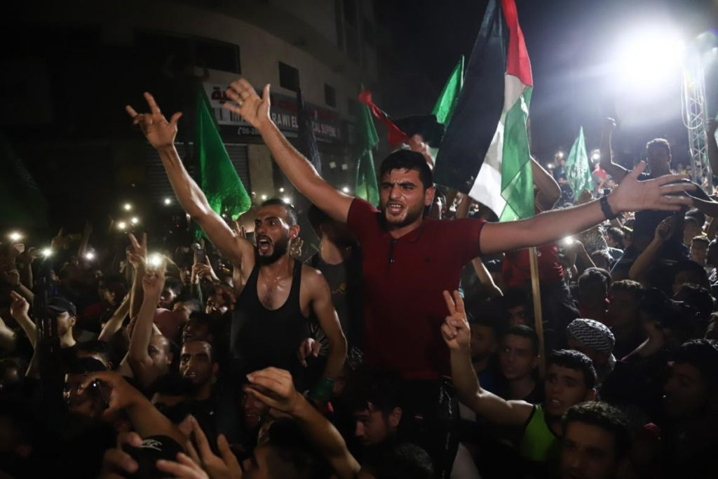 The fighting between Israel and Hamas has subsided.  People on the streets of Gaza celebrated a truce - T24 - Czech TV