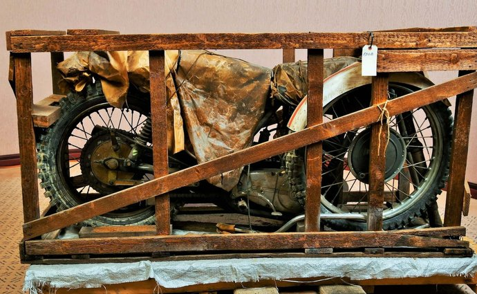 An unpacked Z motorcycle was found in the USA from 1973. It is still going to be auctioned by the carrier.