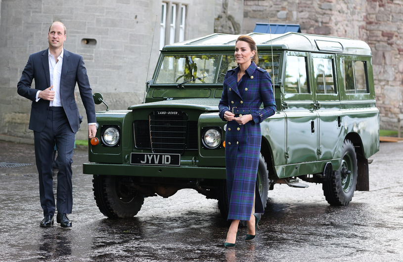 William and Kate rush to Scotland.  He must save the United Kingdom!