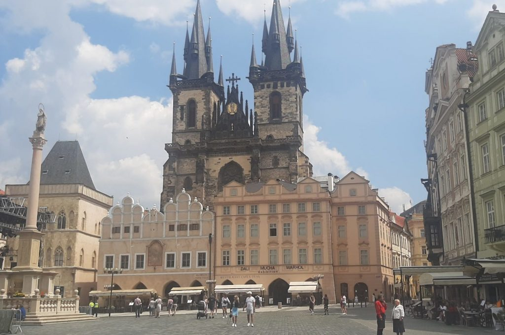 A pedestrian in Prague with a heart in Zlin.  From Thomas Bhatta to Karel Zeman ... and two Dvoraks