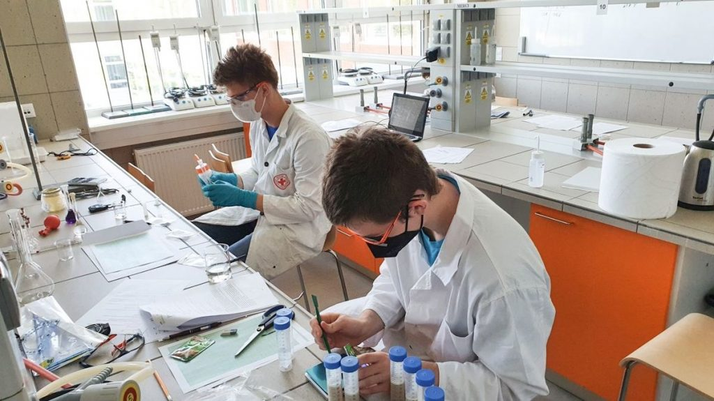 Czech high school students won a gold medal at the European Experimental Science Olympiad