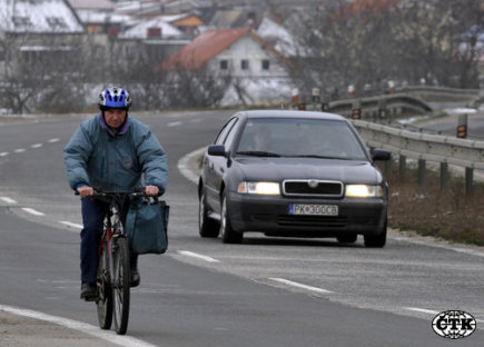 The Senate did not refuse to overtake cyclists within the specified distance