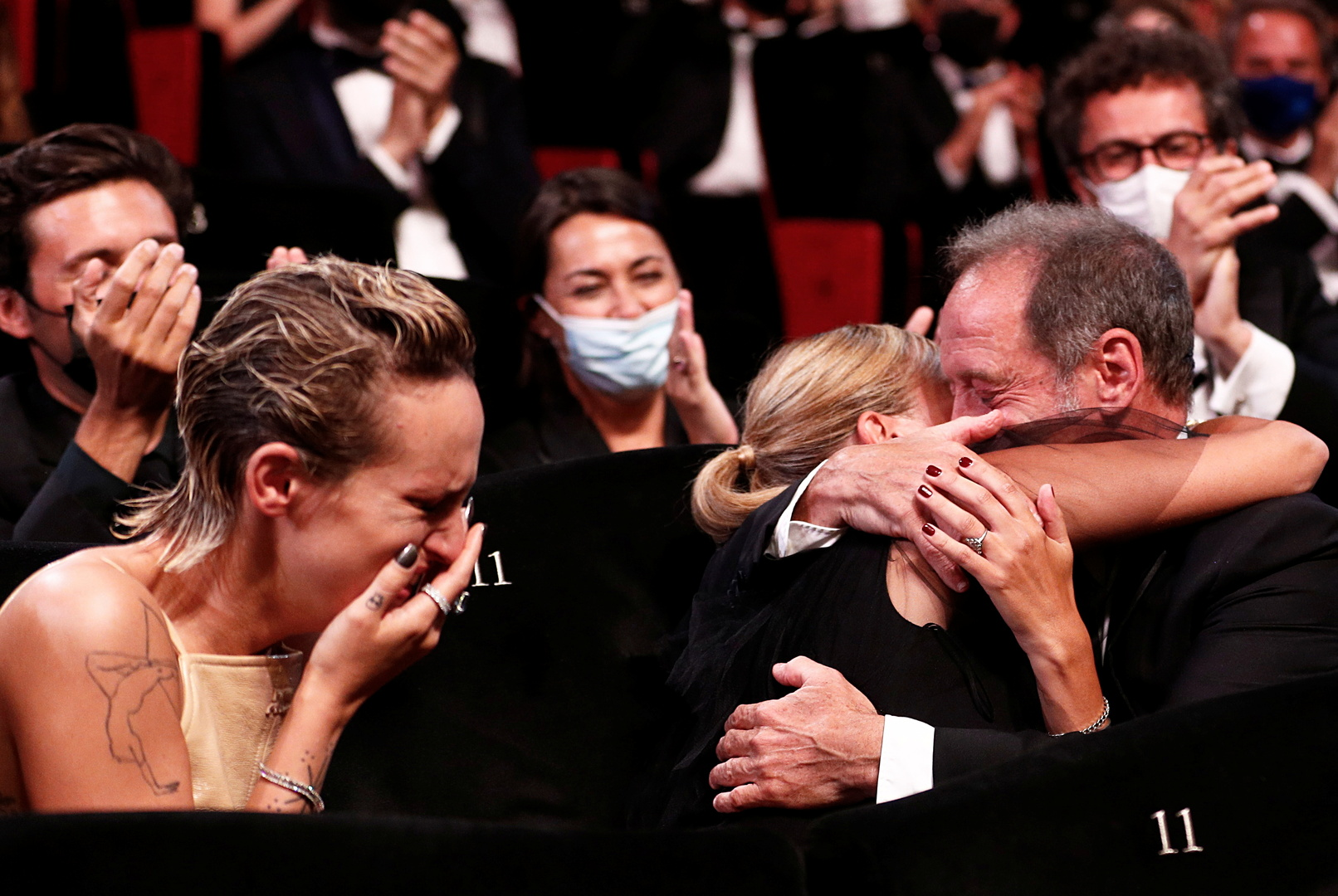 French director wins Palme d'Or at Cannes Film Festival (photos)