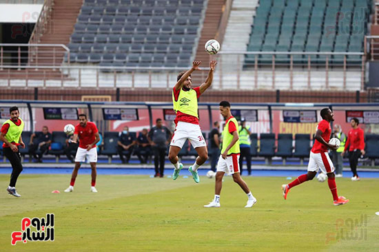 Al-Ahly players warm up (7)