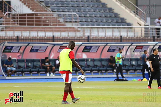 Al-Ahly players warm up (11)