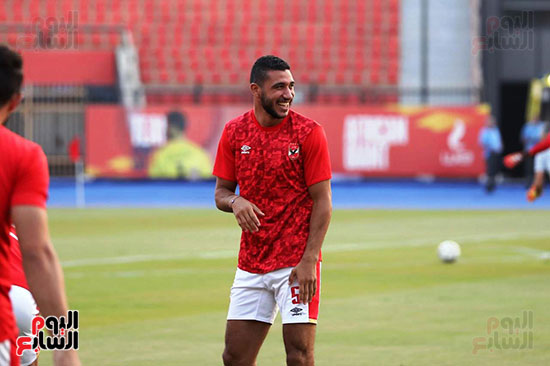Al-Ahly players warm up (9)