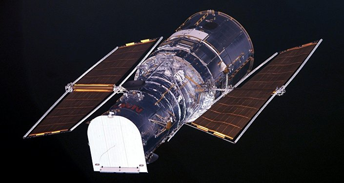 A balloon the size of a stadium carries a replacement for the Hubble telescope into space... Photos الفضاء