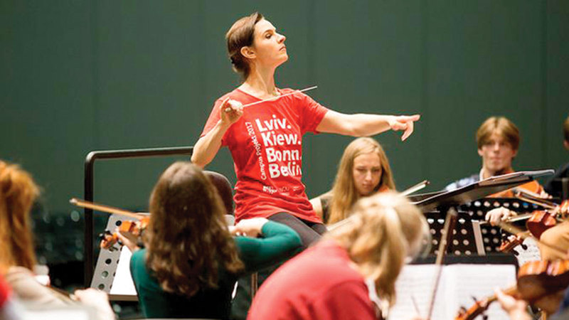 Oksana Lenev, the first woman in history to conduct an opera - our lives - destinations
