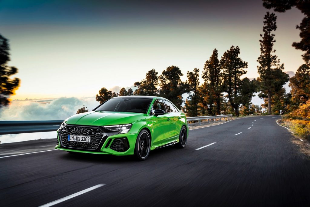 The base is from Octavia, but it travels about 300 km / h.  Audi RS3 side front corner