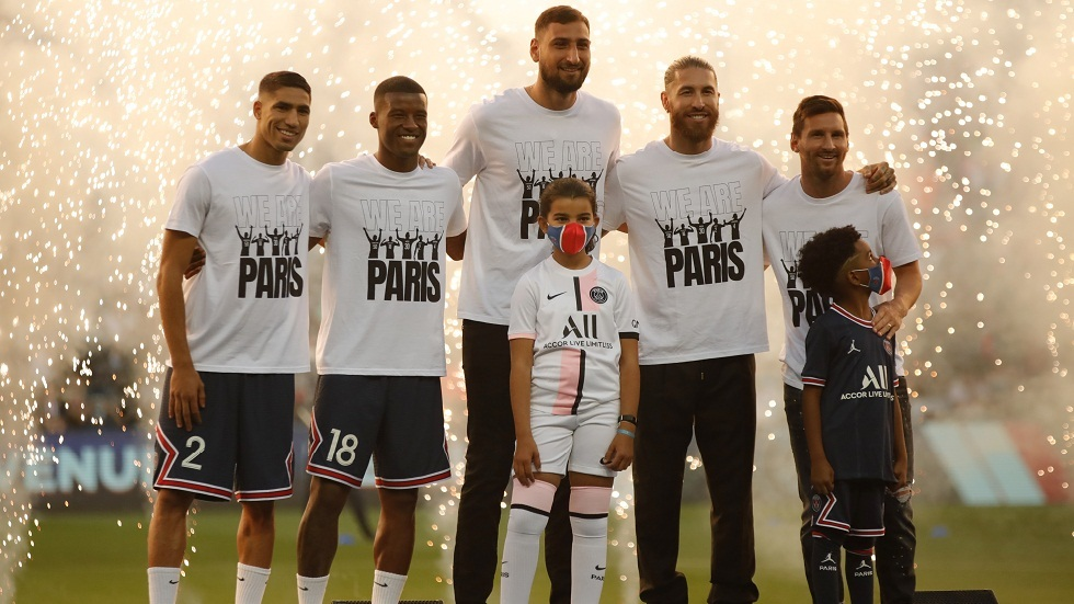 Saint-Germain celebrates its five new stars before its match against Strasbourg (video)