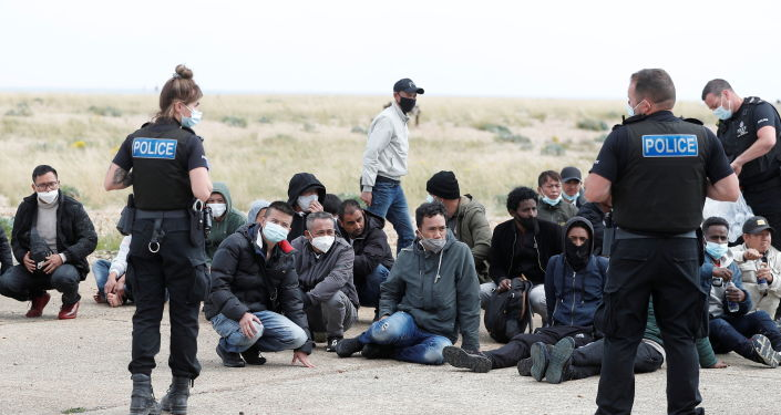 About 500 immigrants a day come to the UK via the English Channel