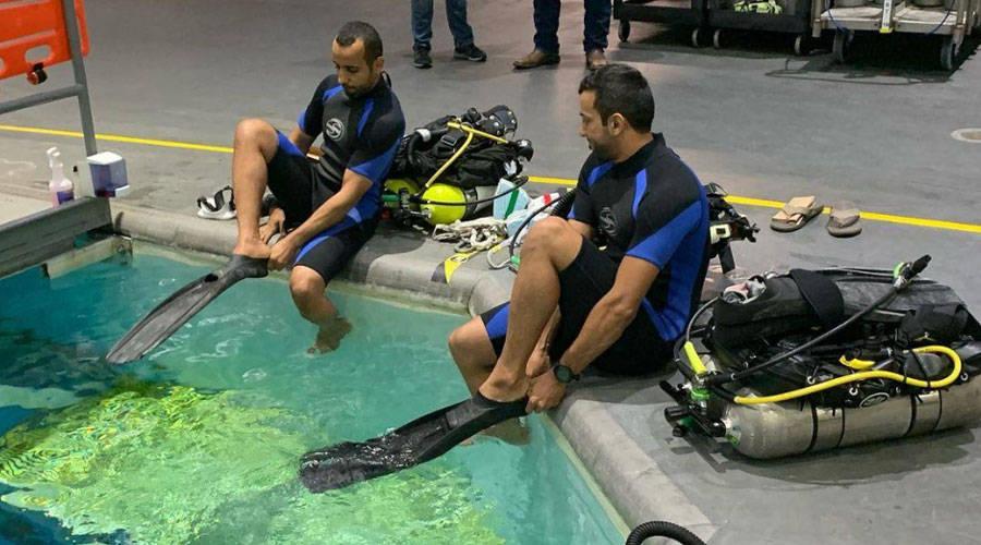 """""""Al-Mansoori"""" and """"Al-Niyadi"""" are training to dive without space allowance"""