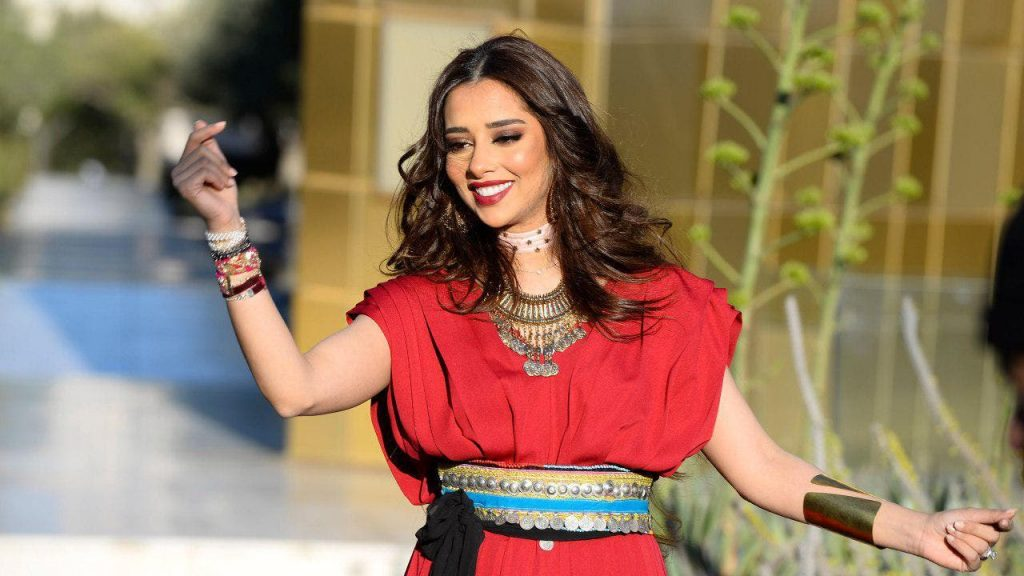 Balqis Fathi responds to her daring dance with Muhammad Ramadan... and the audience mocks her!
