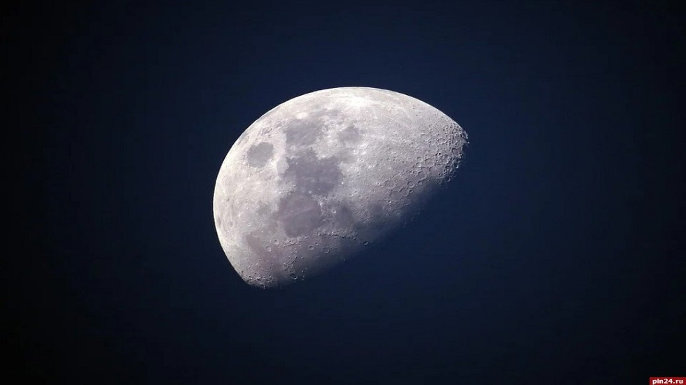 Preparations begin for a manned lunar mission to Russia