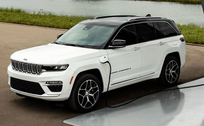 The new Jeep Grand Cherokee will be revealed on September 29, including 4xe plug-in hybrid