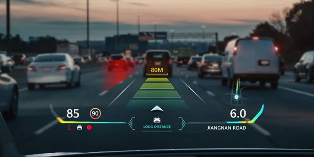 Huawei is working on improving the head-up display.  At night and in thick fog, augmented reality technology helps drivers - Živě.cz