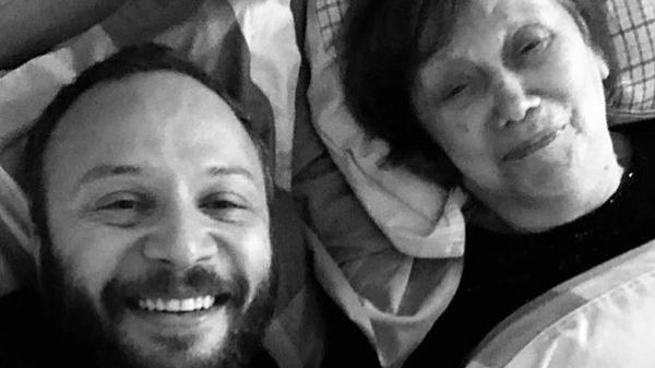 """""""I see your soul passing between the theaters of Damascus""""... Maxim Khalil mourns his mother"""