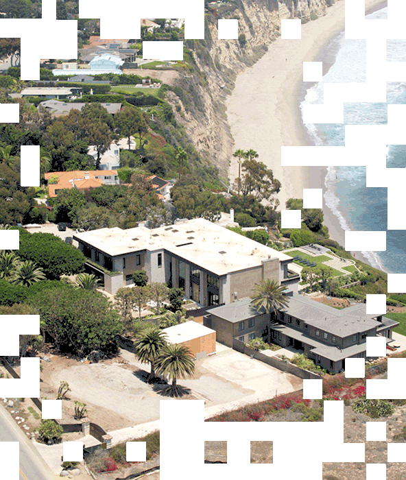 Aerial view of a house in Malibu