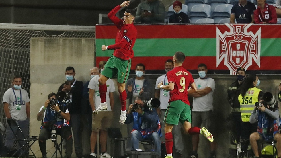 Ronaldo leads Portugal to victory over Qatar and achieves a historic record (video)
