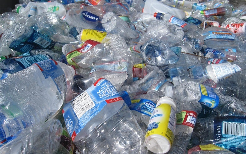 Attempts to produce plastic without emitting greenhouse gases