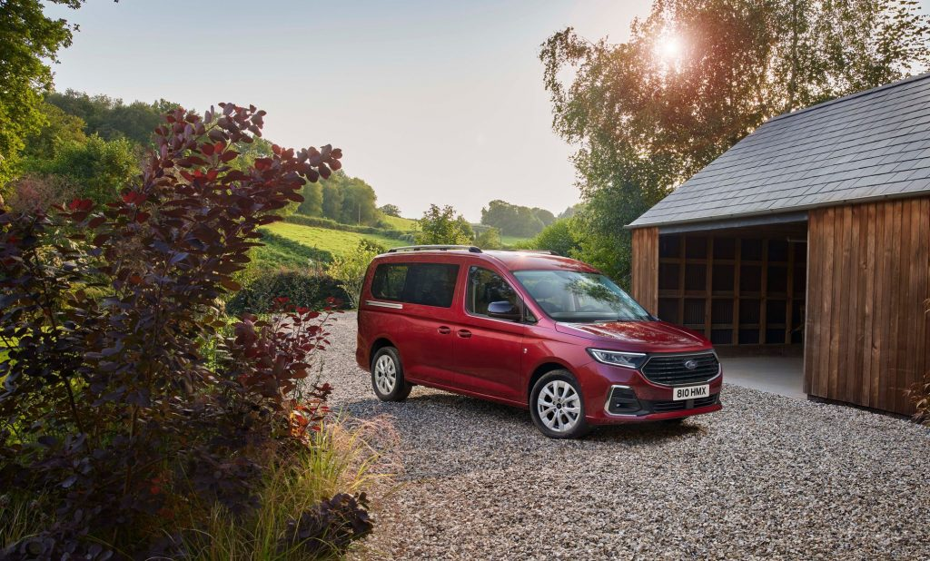 Utility Golf with Ford logo.  Tourneo Connect is the twin of the Volkswagen Caddy