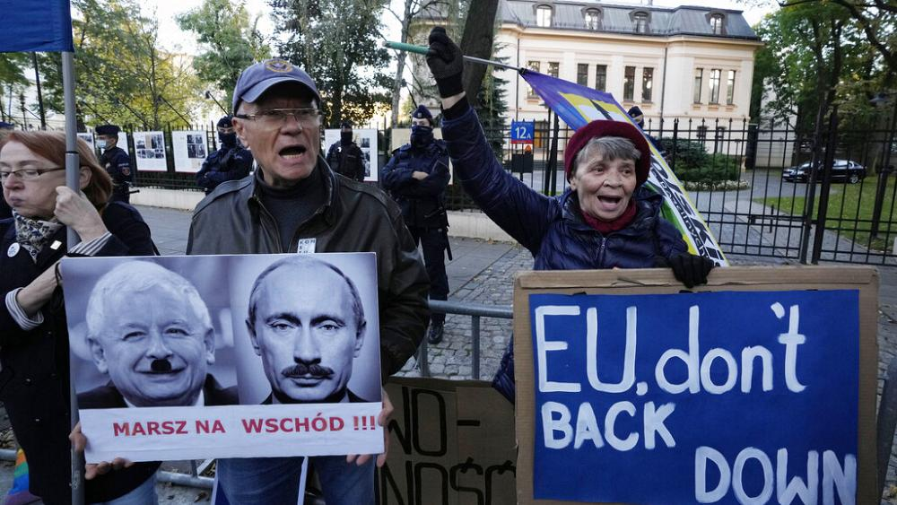 """Will a Polish """"nuclear strike"""" on the EU's legal system lead to the country's withdrawal from the bloc?"""